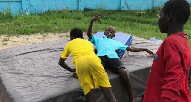 Kongotränare: Nya gymnastikredskapen gör träningen säkrare