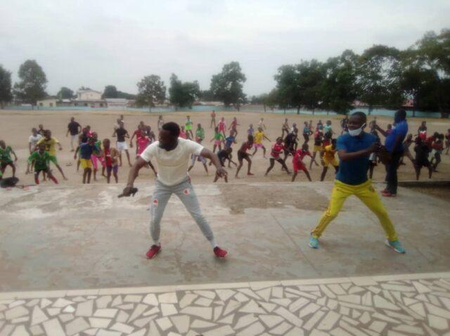 Glädje efter läger och utvärderingstester på idrottsskolan
